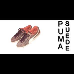 Puma Suede Sneakers (S I Z E: 6.5)